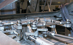 Linear actuator solutions for a broad range of applications - elero GmbH